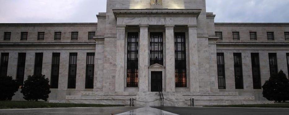 FBN's Peter Barnes breaks down the latest Fed Beige Book report.