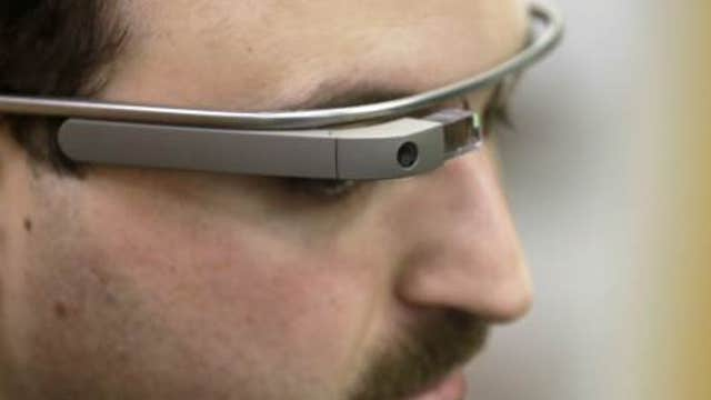 Wearable Intelligence CEO Yan-David Erlich and FOX Business contributor Jon Hilstenrath on Google Glass and using wearable technology at the workplace.