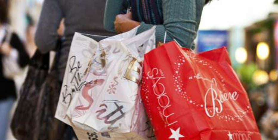 Strategic Resource Group managing director Burt Flickinger and Belus Capital Advisors CEO Brian Sozzi break down which stores you should bank in on ahead of the holiday season.