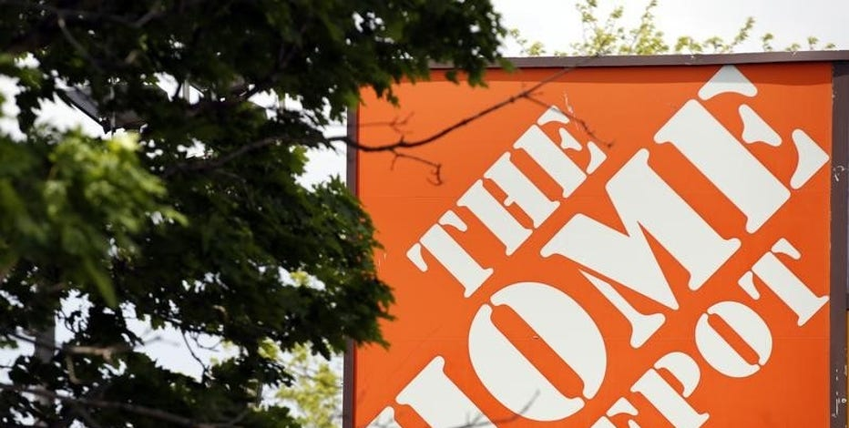 FBN's Jo Ling Kent discusses Home Depot latest finding on its September hack attack.