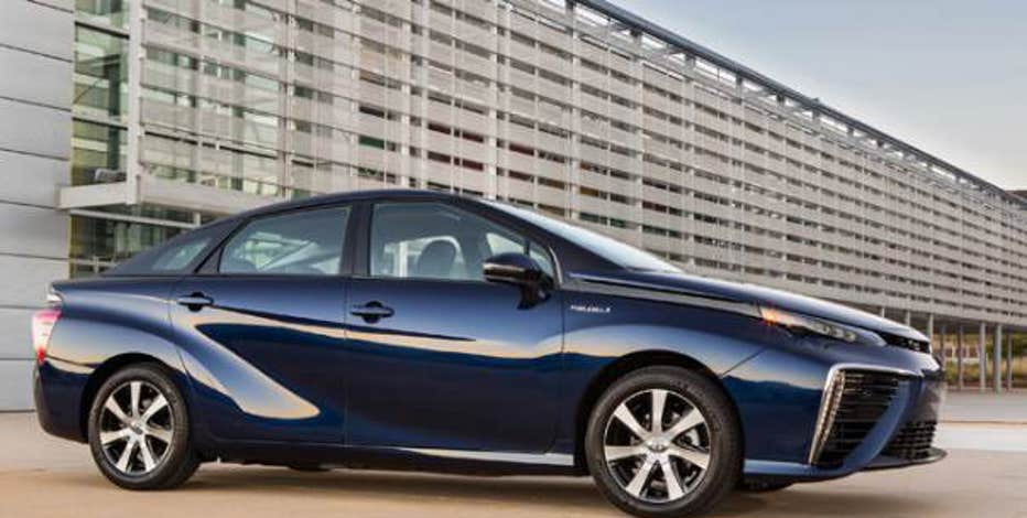FBN's Jeff Flock takes a test drive in the first hydrogen-powered car sold to consumers, and takes a taste of water from the car's tailpipe.