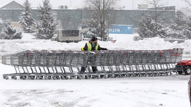 Thousands of flights canceled, delayed ahead of blizzard