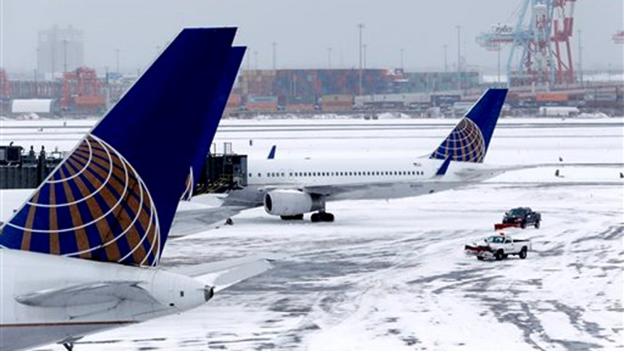 Thousands of travelers stranded in the wake of the snowstorm