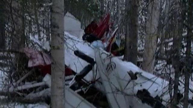 Two planes collide in mid-air crash, pilots survive