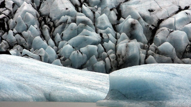 Iceland rising as glaciers melt