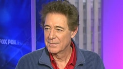 Here's a story, of a man named Brady… er Williams.  No this isn't a 'Brady Bunch' reunion.  Barry Williams, better known as eldest son Greg Brady, has moved to Branson, Missouri to launch a s musical variety show and invited a crew from TV network Great American Country along to document the process in his new show 'A Very Barry Branson.'