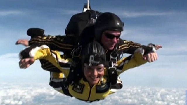 Lea Gabrielle joins Golden Knights on a dive