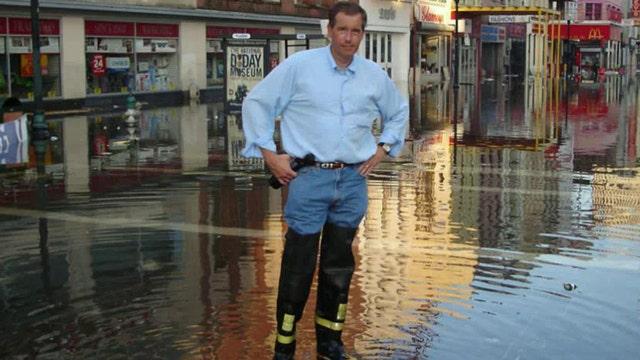 Brian Williams' post-Katrina reporting draws scrutiny