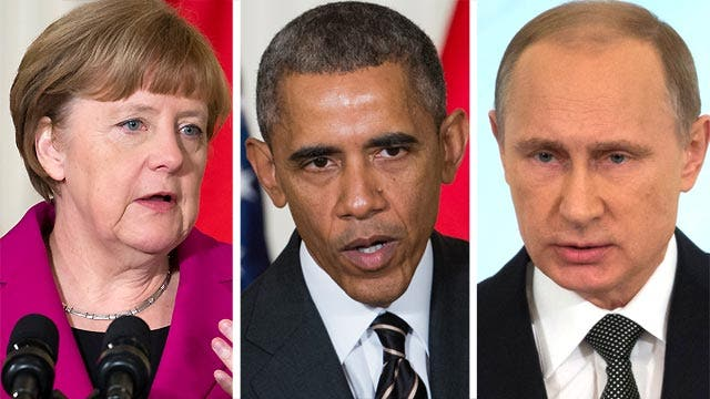 Obama, Merkel try to present united front against Putin