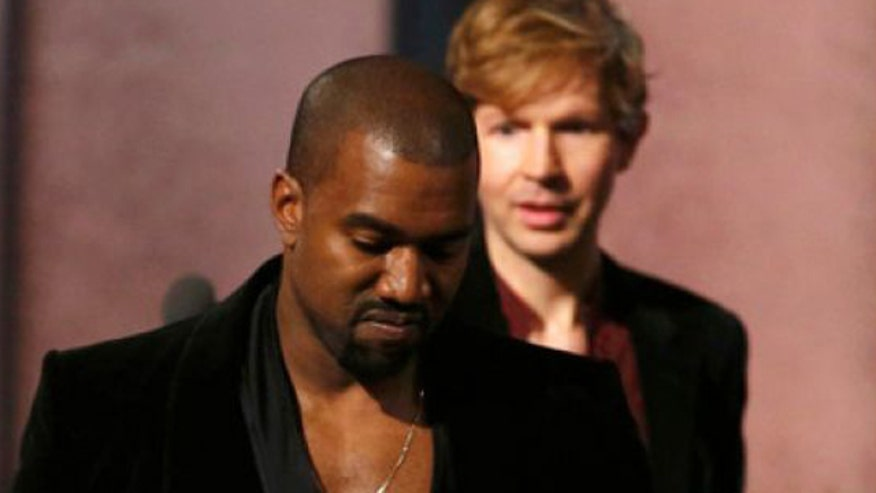 Rapper causes controversy saying Beck should give award to Beyonce