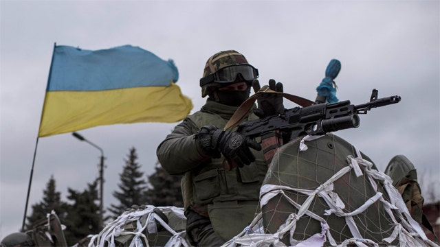 Fighting continues in eastern Ukraine during peace summit