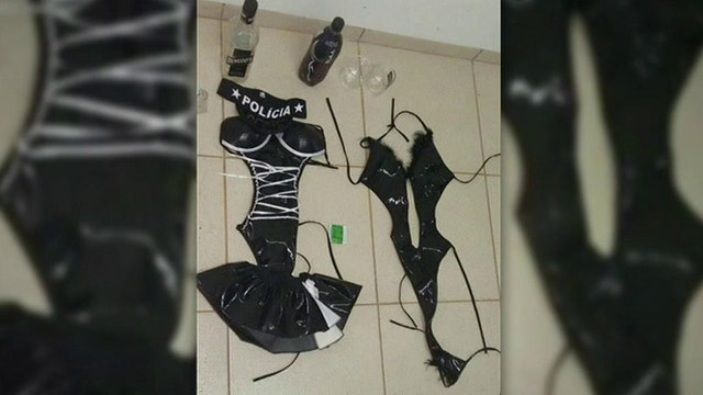 Brazilian prisoners escape after women seduce guards