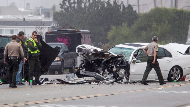 Video shows Bruce Jenner hit two cars in deadly chain-reaction wreck, official says