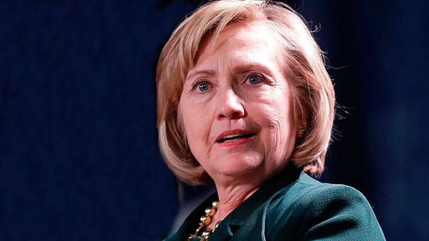Clinton makes excuses for using private email