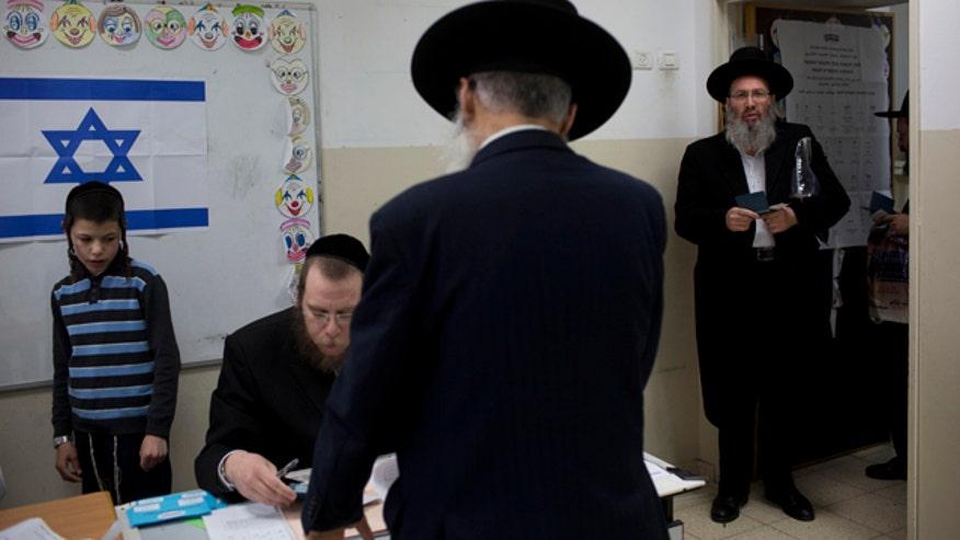 Polls show a tight race between Benjamin Netanyahu and Yitzhak Herzog