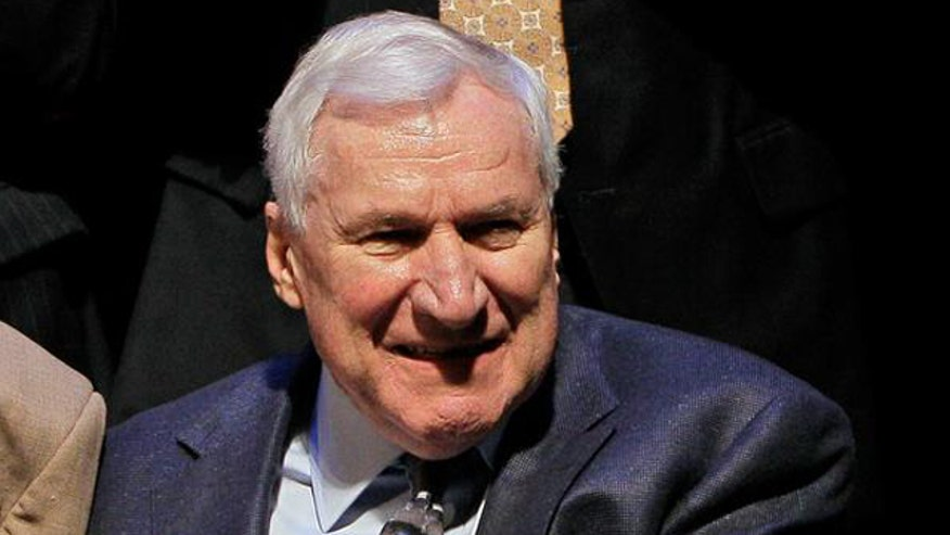 The late Dean Smith leaves $200 to former UNC players