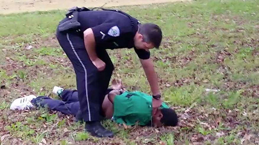 Video shows Police officer shooting and killing unarmed African American man