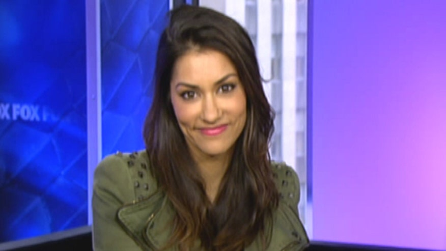 'True Blood' star Janina Gavankar pushes music in schools with video for 'Don't Look Down'
