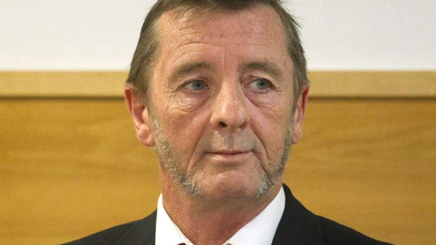 Phil Rudd says he's guilty of threatening to kill