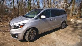 Gary Gastelu takes a spin -- and a rest -- n the 2015 Kia Sedona minivan.