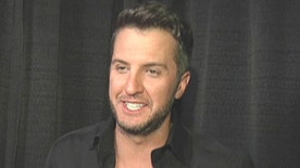 Country star picks up ACM's Entertainer of the Year award