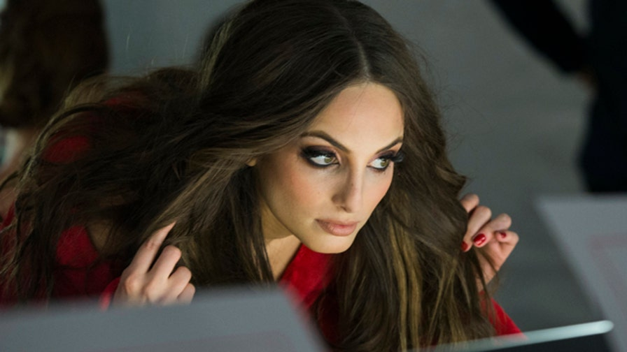 Alexa Ray Joel tells us about the beauty tips and hand-me-downs she's learned from mom, iconic model Christie Brinkley.