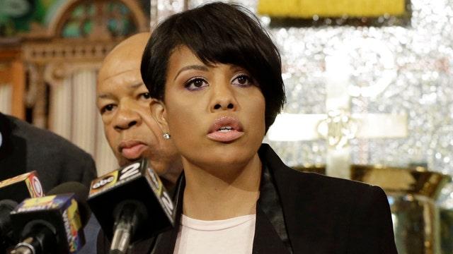 Why did Baltimore mayor wait to enforce curfew?