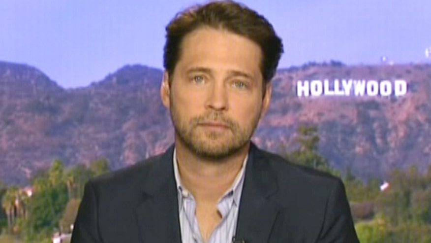 Actor/Director Jason Priestley on directing his first feature film 'Cas & Dylan' and what advice he'd give his past 'Beverly Hills 90210' self