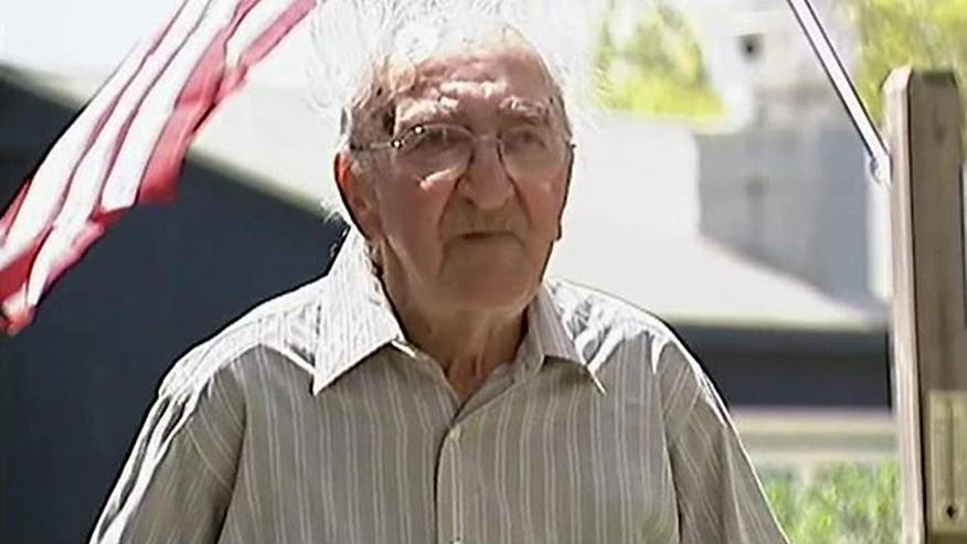 95-year old vet fights off would-be thief with cane