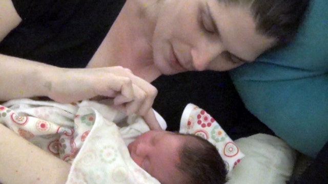 Pregnant mom forgoes cancer treatment to save baby