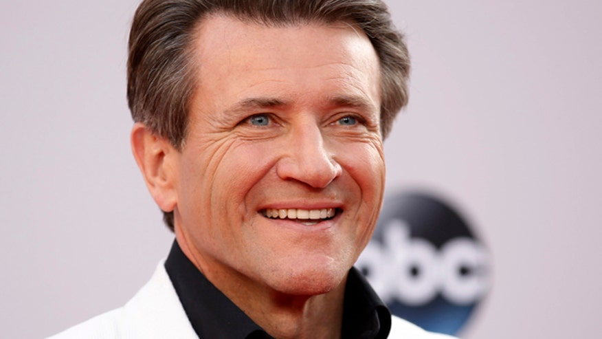 Robert Herjavec thrown to the sharks on 'DWTS'