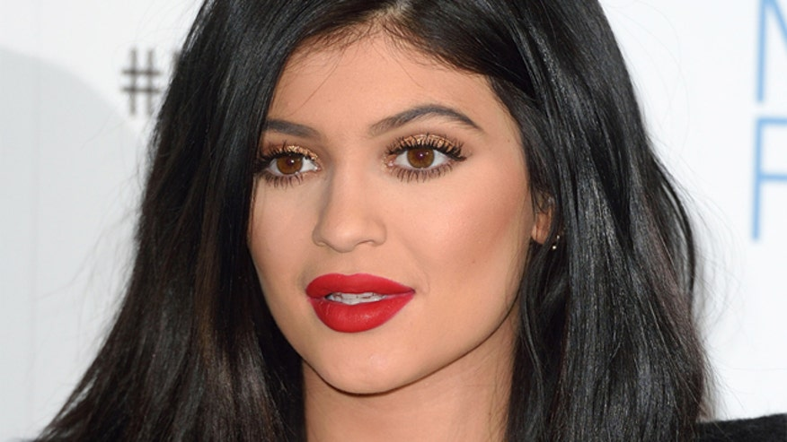 Kylie says she has lip fillers