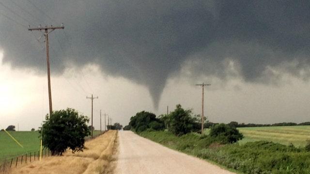 Fierce tornados tear through Central US