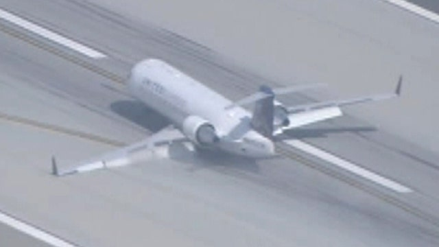 Plane with one wheel makes emergency landing at LAX