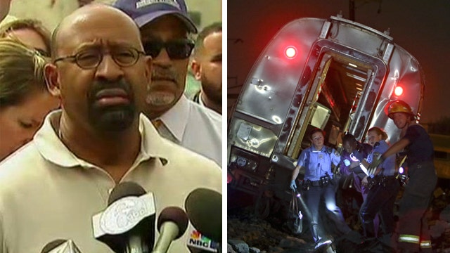 Philadelphia mayor, NTSB address media on Amtrak crash