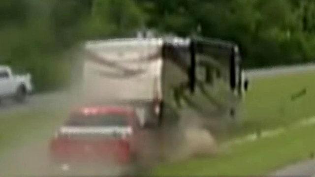 Motor home crash blocks highway in Louisiana
