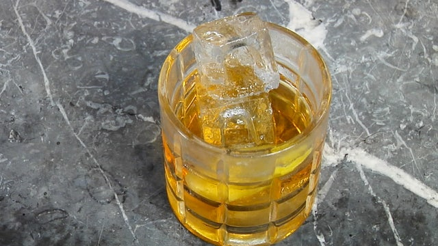 How to Make a Salt Fashioned Cocktail