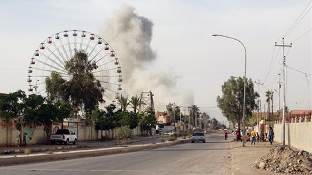 ISIS captures main government compound in Ramadi