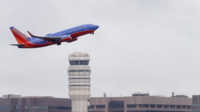 Airlines brace for record travel numbers this summer
