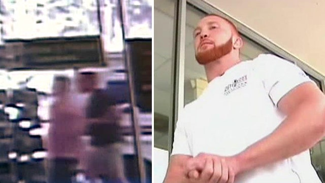 MMA fighter hogties, forces bank robber to 'tap out'