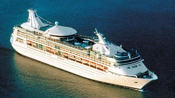 Norwegian cruise ship runs aground near Bermuda