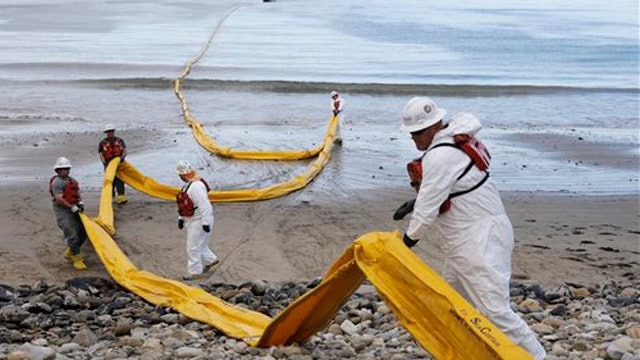 Crews working to clean up 100,000 gallon oil spill in Calif.