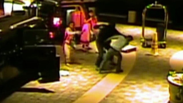 Jewelry dealers fight off robbers