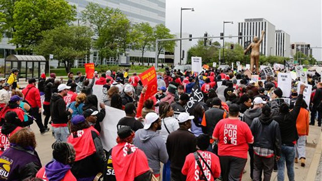 Fast food workers set to protest in push for $15 minimum wage
