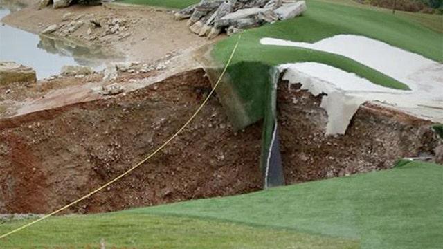 Massive sinkhole opens in Missouri golf course