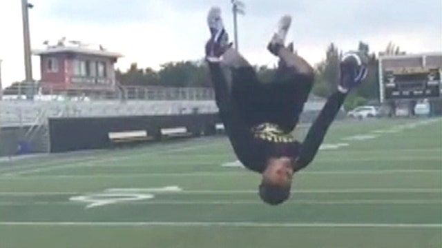 High school star's incredible one-handed catch goes viral