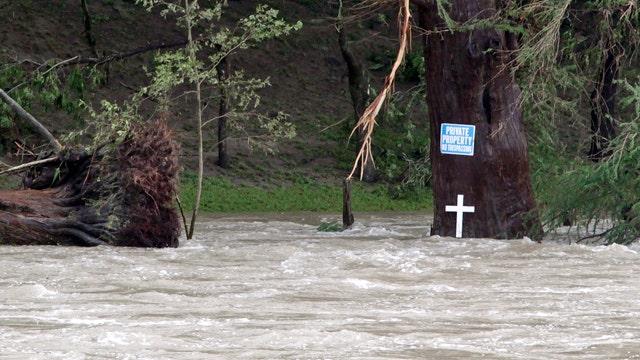 Texas flood survivor on 'wall of water'
