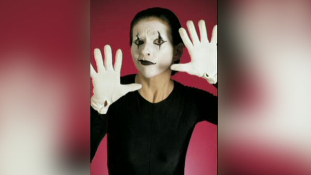 Berlin hires mimes to help silence drunk tourists