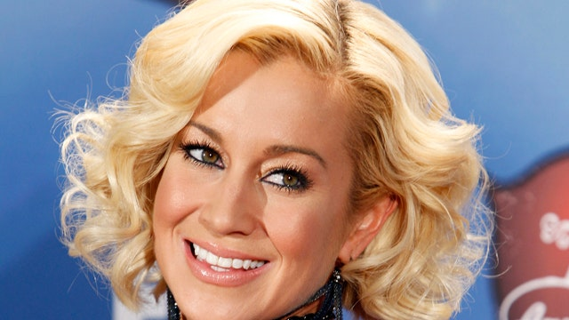 An honor for Kellie Pickler