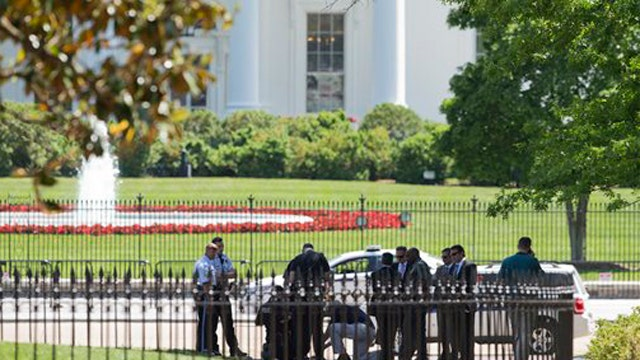 White House fence measured for new spikes